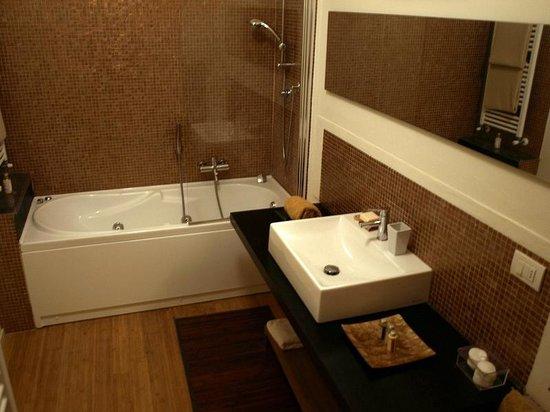 La Casa del Forte : Personal bathroom