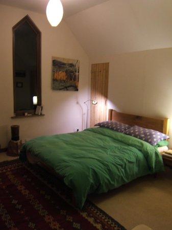 Racquety Lodge: Upstairs room