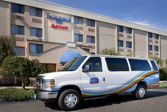 Fairfield Inn Manchester-Boston Regional Airport: Complimentary Airport Shuttle
