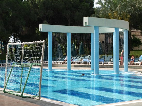 IC Hotels Green Palace: Main pool where pool games are played