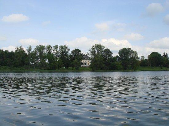Schlosshotel Groß Plasten: Blick vom See