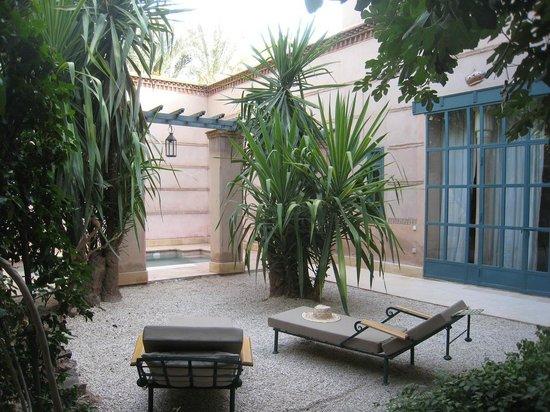 Les Deux Tours : jardin pool suite