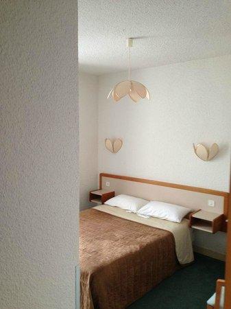 Hotel arc en ciel: Bedroom