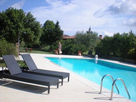 Country House Montali: The superb swimming pool.