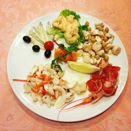 Bar Rio: insalata di mare buonissima e fresca!