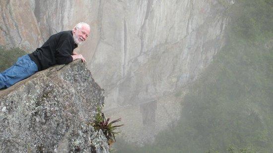 Inca Bridge : Inca drawbridge in the fog - drop off from the trail