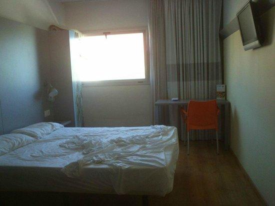 Sidorme Girona : Habitación confortable
