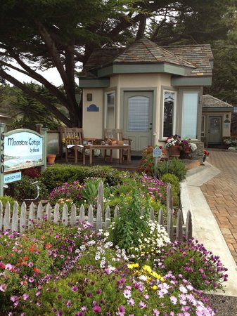 Moonstone Cottages - Seascape is this first one