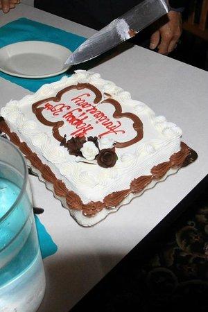 Nicky's of Swansboro: Anniversary Cake