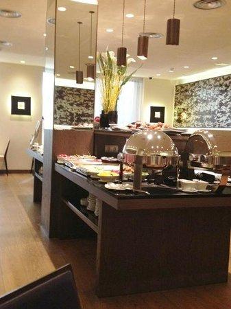 K+K Hotel Picasso: Sumptuous breakfast buffet - mmmmm