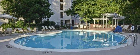 Hampton Inn & Suites Wilmington/Wrightsville Beach: Pool