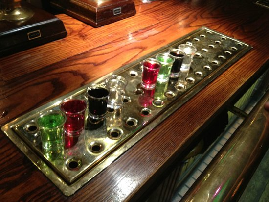 Mulberry Tree Inn: Shots offers