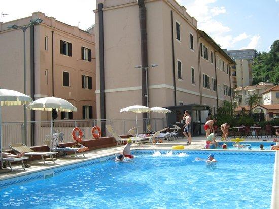 Hotel San Giuseppe: vista della piscina