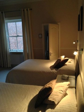 Oaklodge Bed & Breakfast: Our room