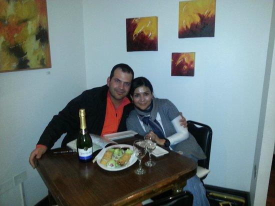 Hostal Barrio Paraiso: cena romántica en el comedor del hostal
