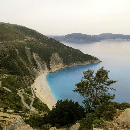 Olivemare: La playa de Myrtos. Fabulosa, pero, menuda bajada!. De infarto!
