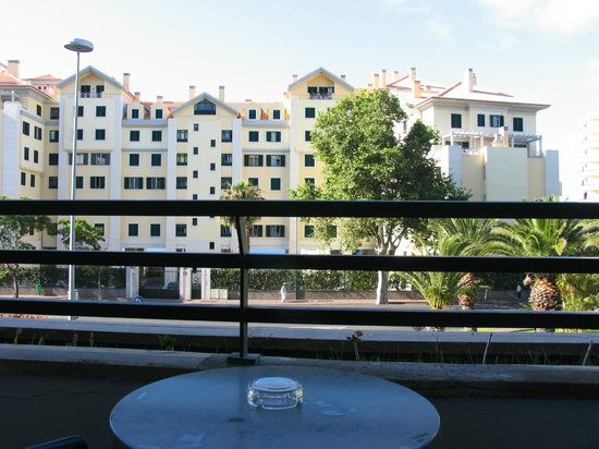 The Jardins d'Ajuda Suite Hotel: view from sea view rooms