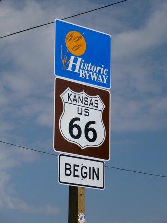 4 Women on the Route: Kansas - Route 66