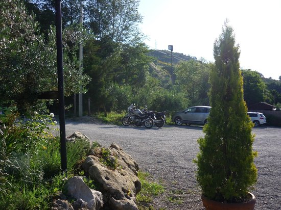 Agriturismo Angeli Biondi: parcheggio