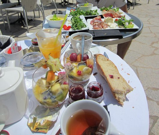 Le Glacier du Port: brunch