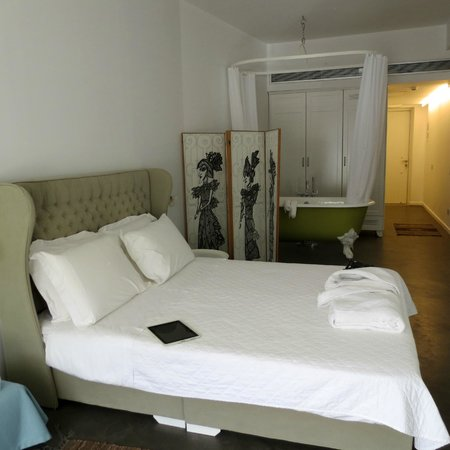 Perantzada 1811 Art Hotel: La encantadora habitación