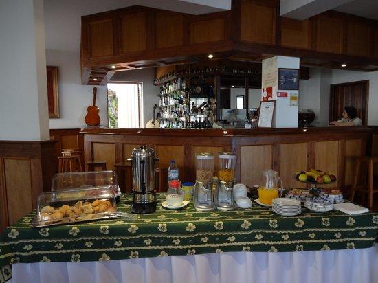 Hotel Vale Verde: Breakfast buffet