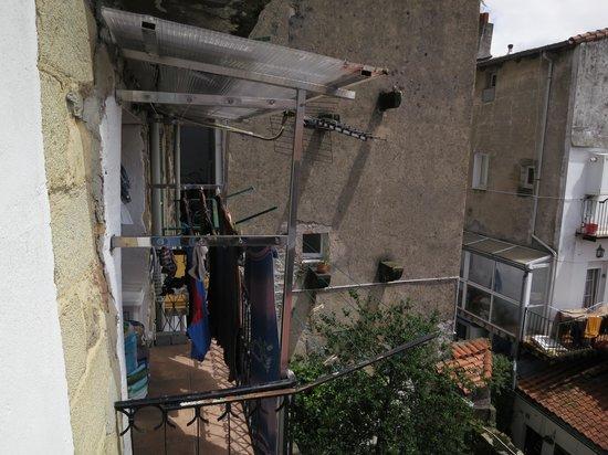 Hotel San Nikolas : Vista desde el balcón (habitación 101)