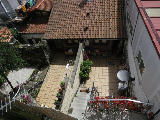 Hotel San Nikolas : Vista desde el balcón (101)