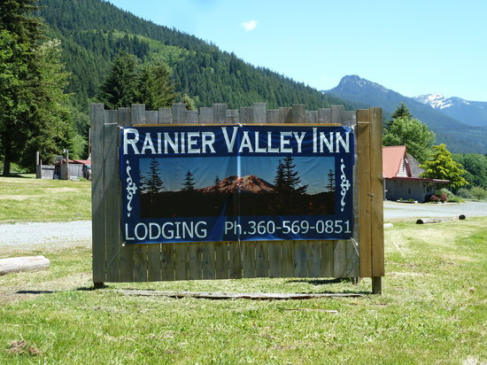 Rainier Valley Restaurant and Inn: Clean*Close*Comfortable