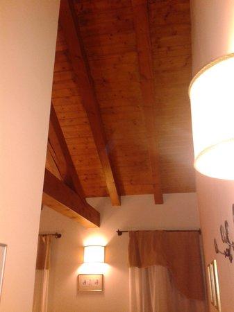 La Dogana - Ristorante Bed&Breakfast: soffitto