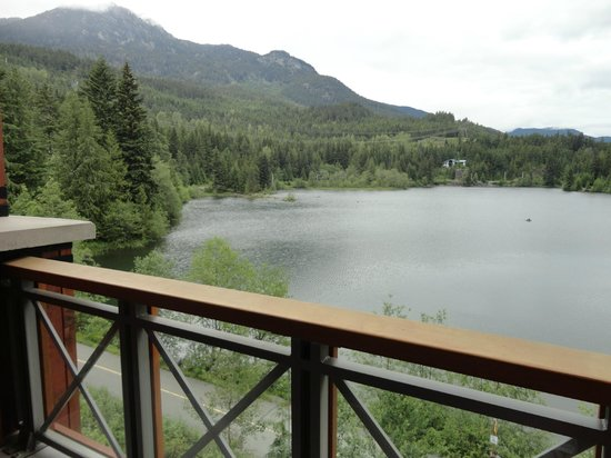 Nita Lake Lodge: Patio View of Nita Lake
