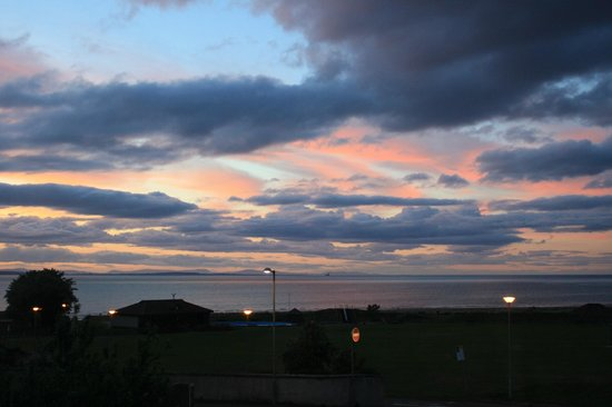 Wetherby House Bed & Breakfast: Moray Firth at sunset from bedroom window