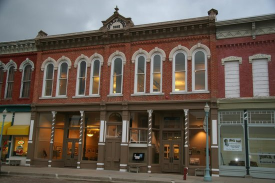 The Willa Cather Foundation: Red Cloud Opera House