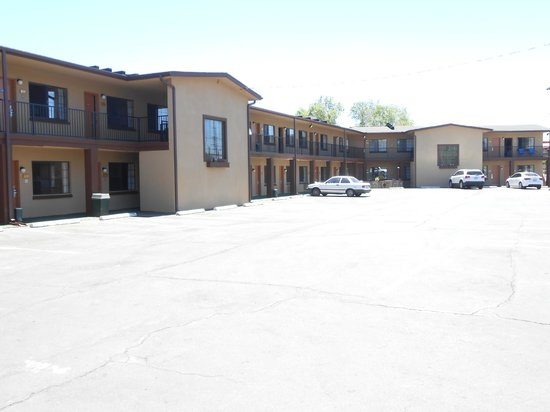 Howard Johnson Inn Flagstaff University West: Hotel exterior