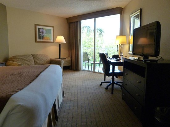 Holiday Inn Express North Palm Beach - Oceanview: Good choice for the area