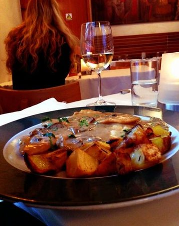 La Locanda: chicken, potatoes and porcini sauce
