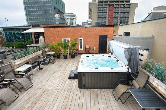 Auberge du Carre St-Louis: rooftop