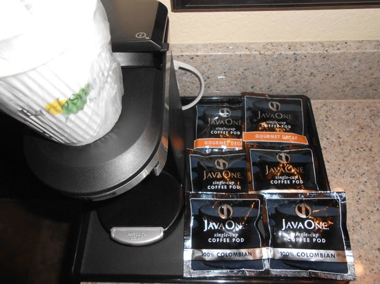 Howard Johnson Inn - Flagstaff: In-room coffee