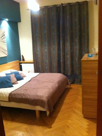 4 Seasons Apartments Cracow : Smaller of the bedrooms