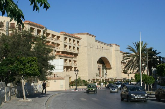 Movenpick Resort & Marine Spa Sousse: Hotel front