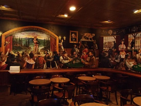 Cattlemen's Fort Worth Steak House: Decor inside Cattlemens