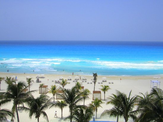 Le Blanc Spa Resort: This is your typical day in June! Yes the water is THAT blue!