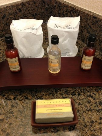Los Angeles Marriott Burbank Airport: Toiletries