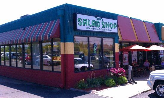 Toma's Salad Shop