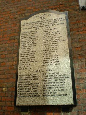 Jewish London Walking Tours: placa conmemorativa en Bevis Marks