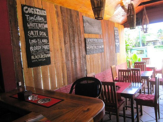 Ochheuteal Guesthouse : Drink and dinner specials