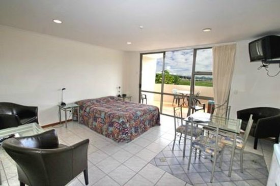 Breakers Motel : Spacious self contained units