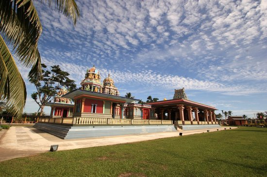 Sri Siva Subramaniya Temple: the ground