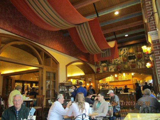Interior of Apple Pie Bakery Cafe