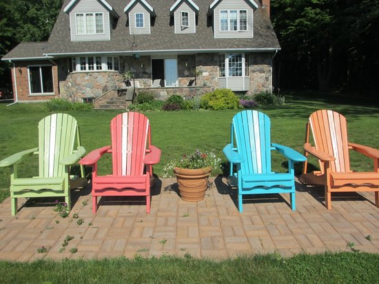 Beacon Shore Bed & Breakfast: Muskoka Chairs